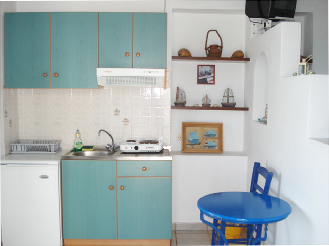 A kitchen in Tholari Studios